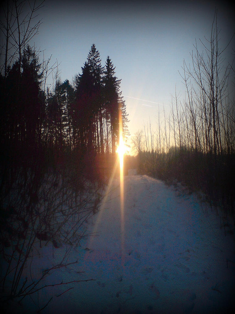 light is still on the horizon by czmartin