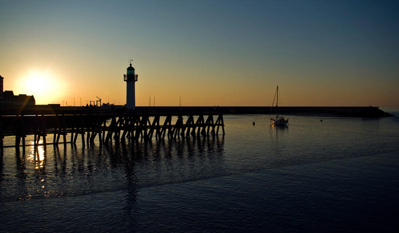 Trouville_sur_Mer_by_Makavelie.jpg