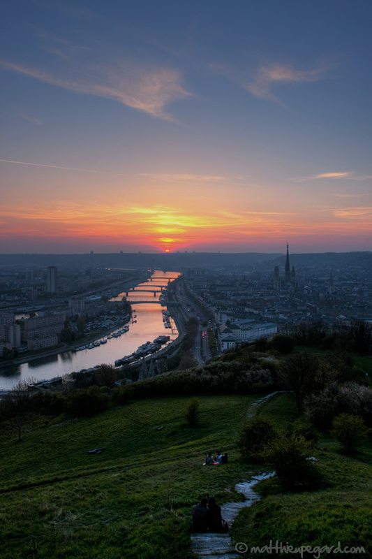 Rouen by Makavelie