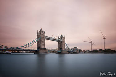 Tower Bridge by Makavelie
