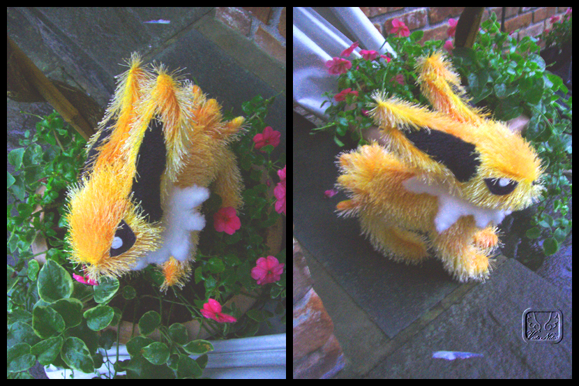 Pokemon: Jolteon Plushie by VesteNotus