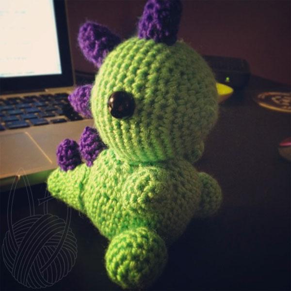 Green Dinosaur by theyarnbunny