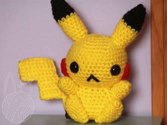 Pikachu by theyarnbunny