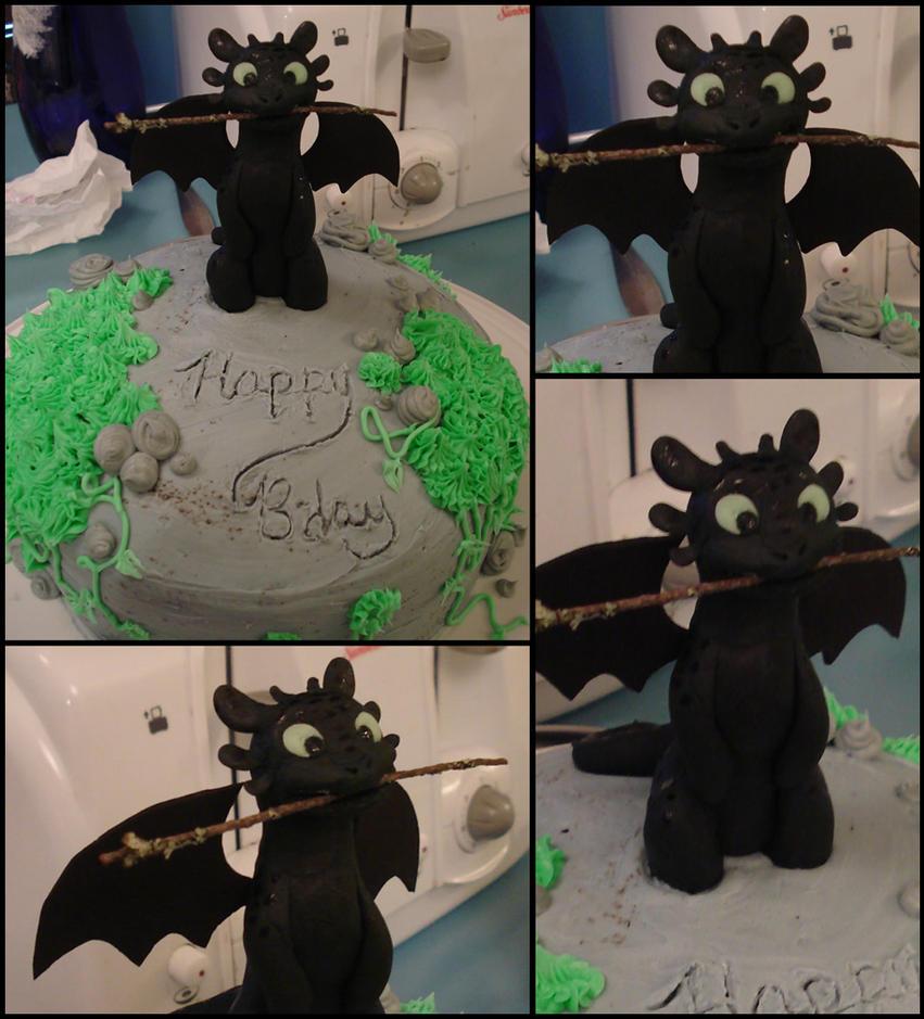 Toothless Birthday Cake by CherryGluestick