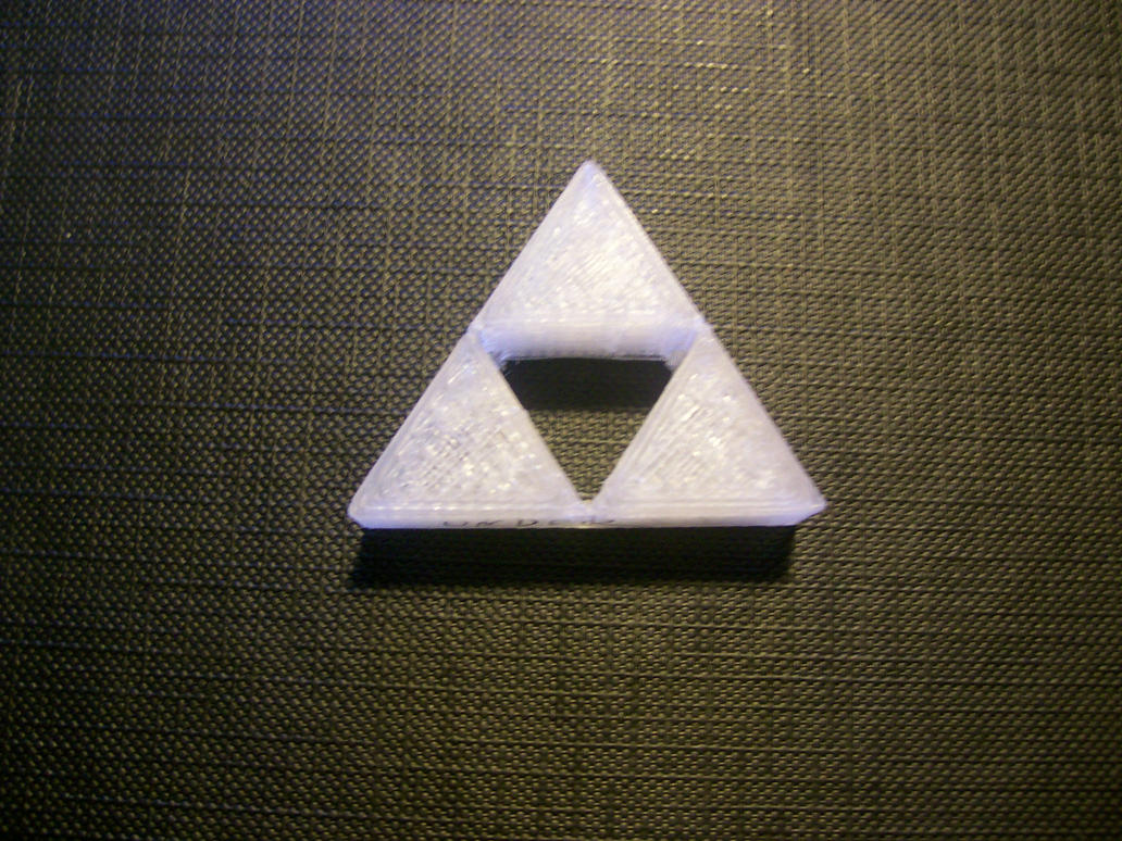 3D-Printing adventures!  3d_printing_a_better_triforce_by_tassadoul-d4ybue6