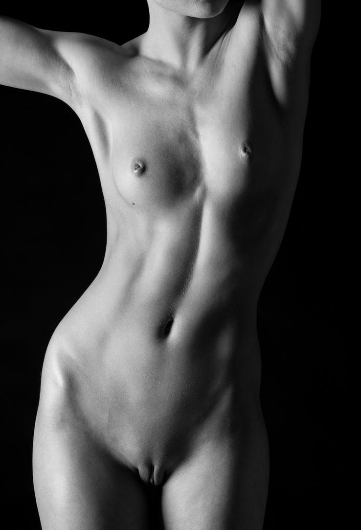 Emi Nicole Torso by huitphotography