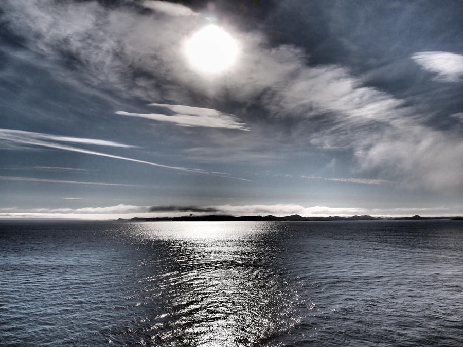 Greenland's sun, sky and sea by bellaricca