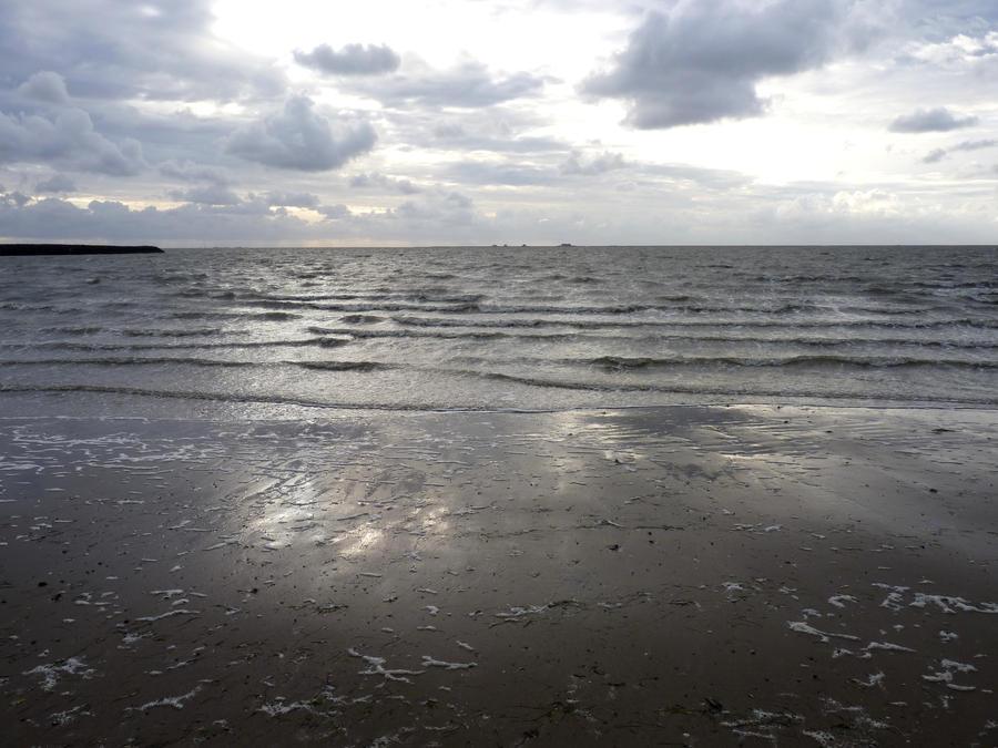 North Sea Waves by BlackCrystalX