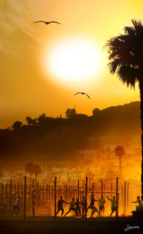 polvo, arena y movimiento en las tardes de verano by JuanChaves
