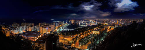 Malaga en otra noche desde el mirador... by JuanC-MLG