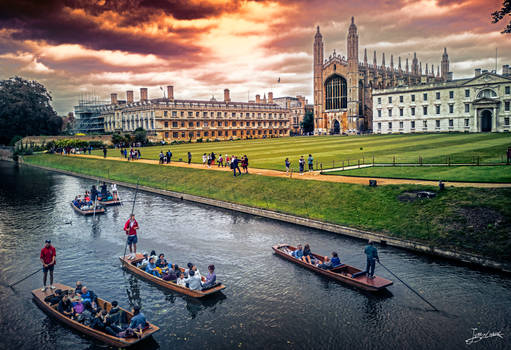 Ferrymen rowing the canals near King's College