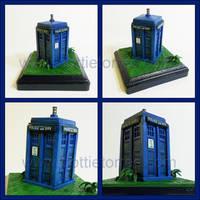 Tardis sculpture by Gimmeswords