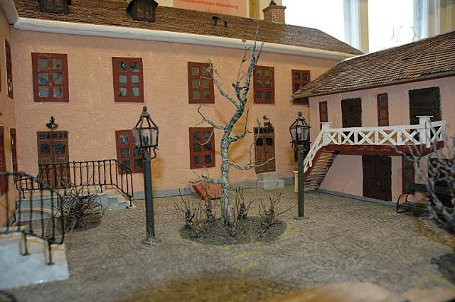 house model2 by BellaSofran