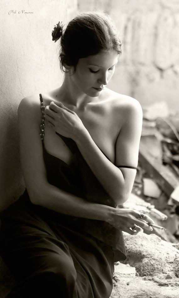 Smoking Lady by Devadevil