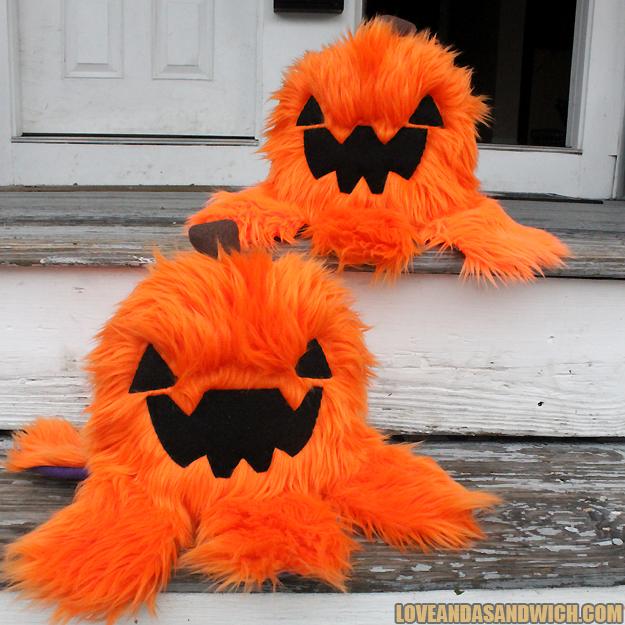 Pumpkin Monstroctopi by loveandasandwich