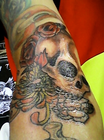 skull Tattoo by carlroycarino