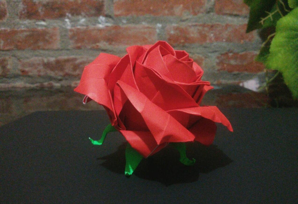 Origami Pentagon Rose Tutorial (Naomiki Sato) - YouTube | 701x1024