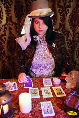 Penny Gwinn, Oracle and Foretuneteller 2Penny