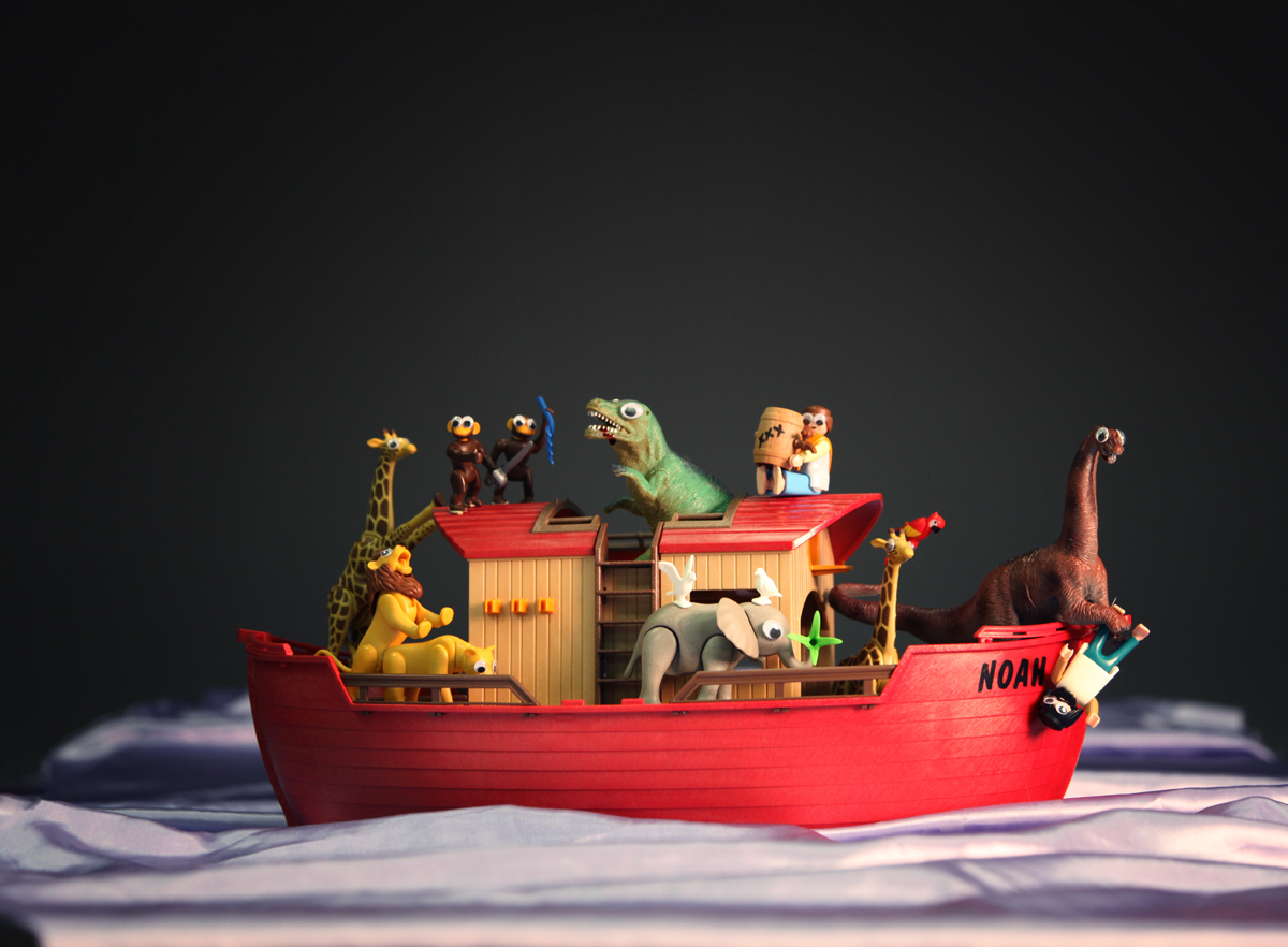 Noah's Ark and the Dinos