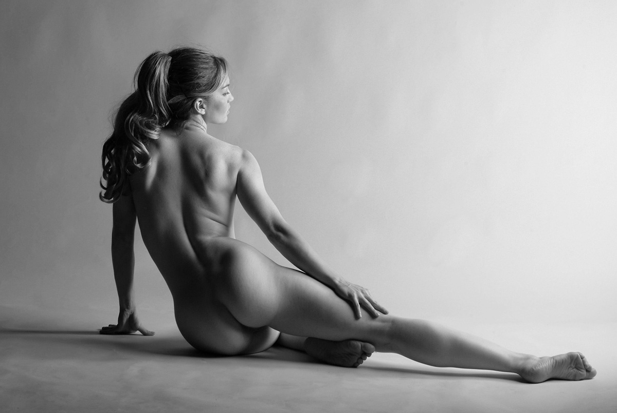 Young artistic nude females