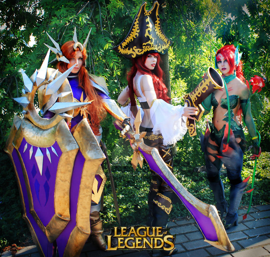 League Of Legends Cosplay by LauraCraftCosplay
