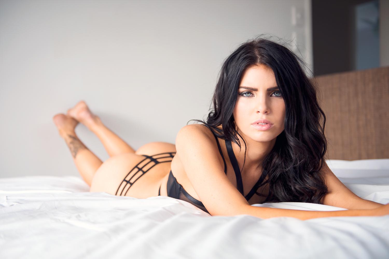 Nicole Thorne Nude Photos 7