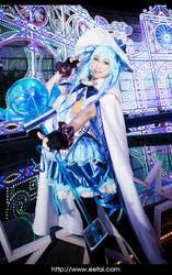 Snow Miku 2014 Hatsune Miku Cosplay by eefai