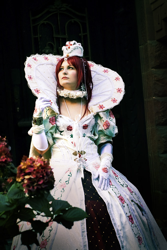 Trinity Blood: Esther 2 by Amapolchen