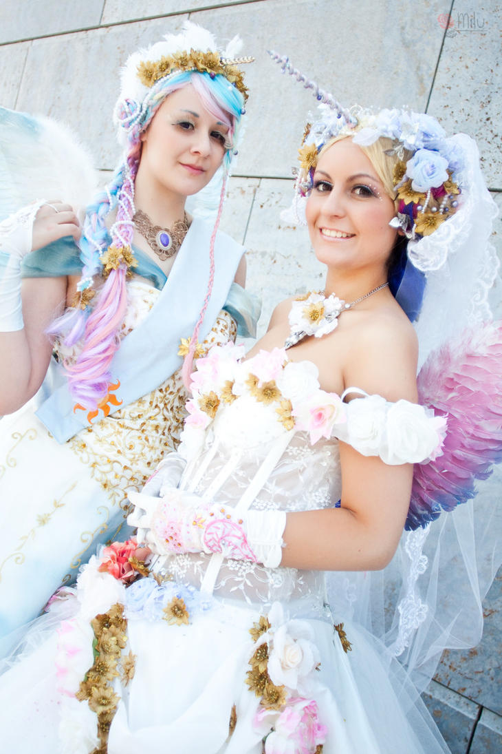 MLP: Princess Celestia and Princess Cadence by Amapolchen