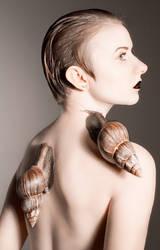Snail queen by Jinialia