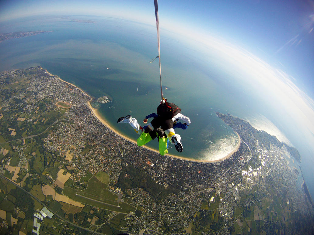 Skydiving by SP4RTI4TE