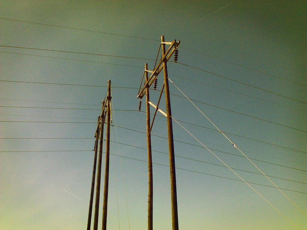 Electric Poles by tntrekabulator