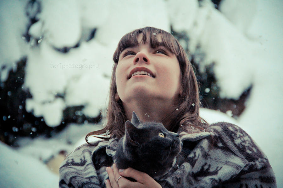 Snowing by photographybyteri