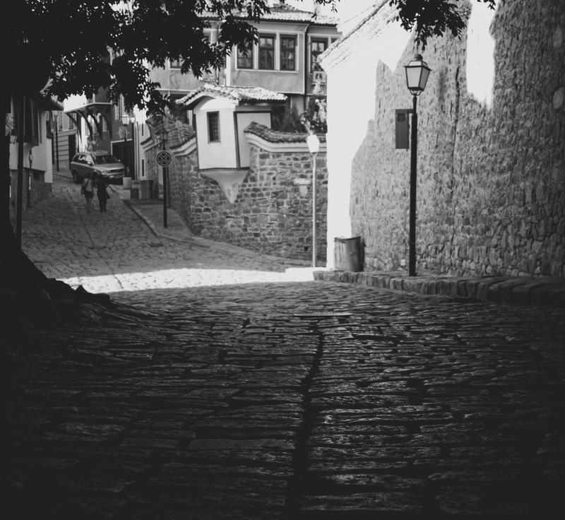 Street Walkin' by waloomeloo
