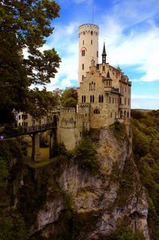 Schloss Lichtenstein im Herbstkleid