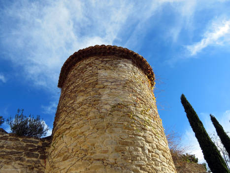 A tower in the blue sky of Provence