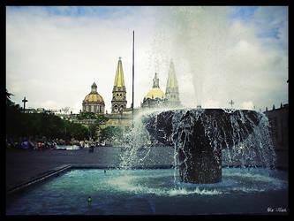 L eau derriere la cathedrale by poloulloa