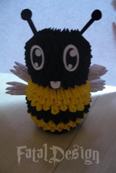 Origami Bee By Xfataldesignx