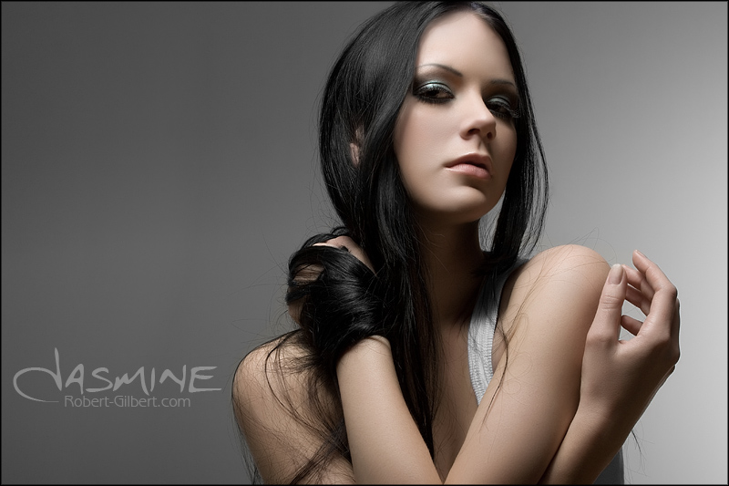 http://fc44.deviantart.com/fs33/f/2008/296/0/a/Jasmine_2_by_melaniemua.jpg