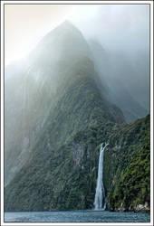 Milford Sound by dunkelbilder