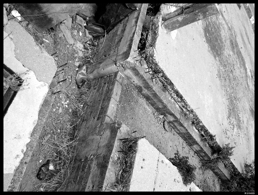 Ruined by levhita