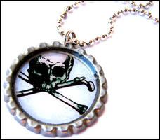 resin skull necklace by bleedsopretty