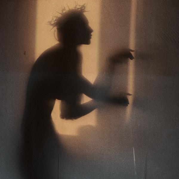 Creeping shadow by dihaze