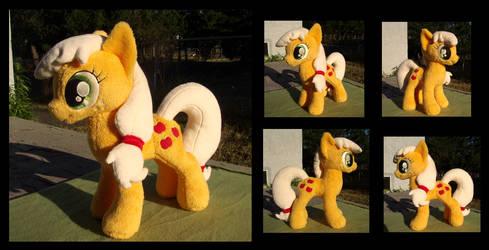 Applejack by fireflytwinkletoes