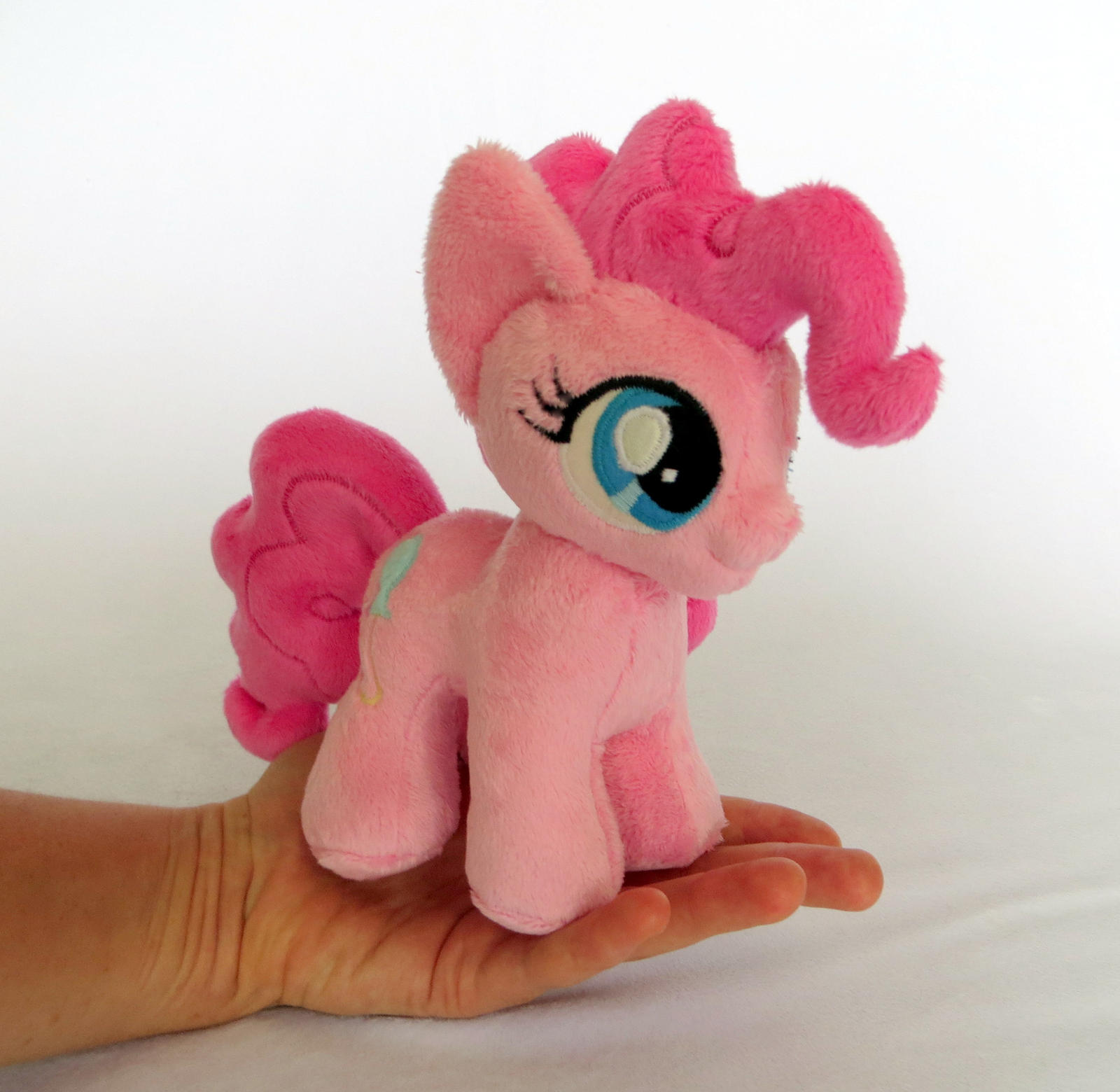 Pinkie Pint by fireflytwinkletoes