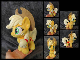 #006 - Applejack Mini by fireflytwinkletoes