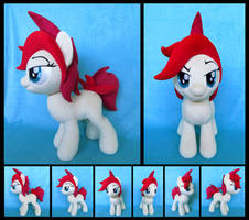 Red by fireflytwinkletoes