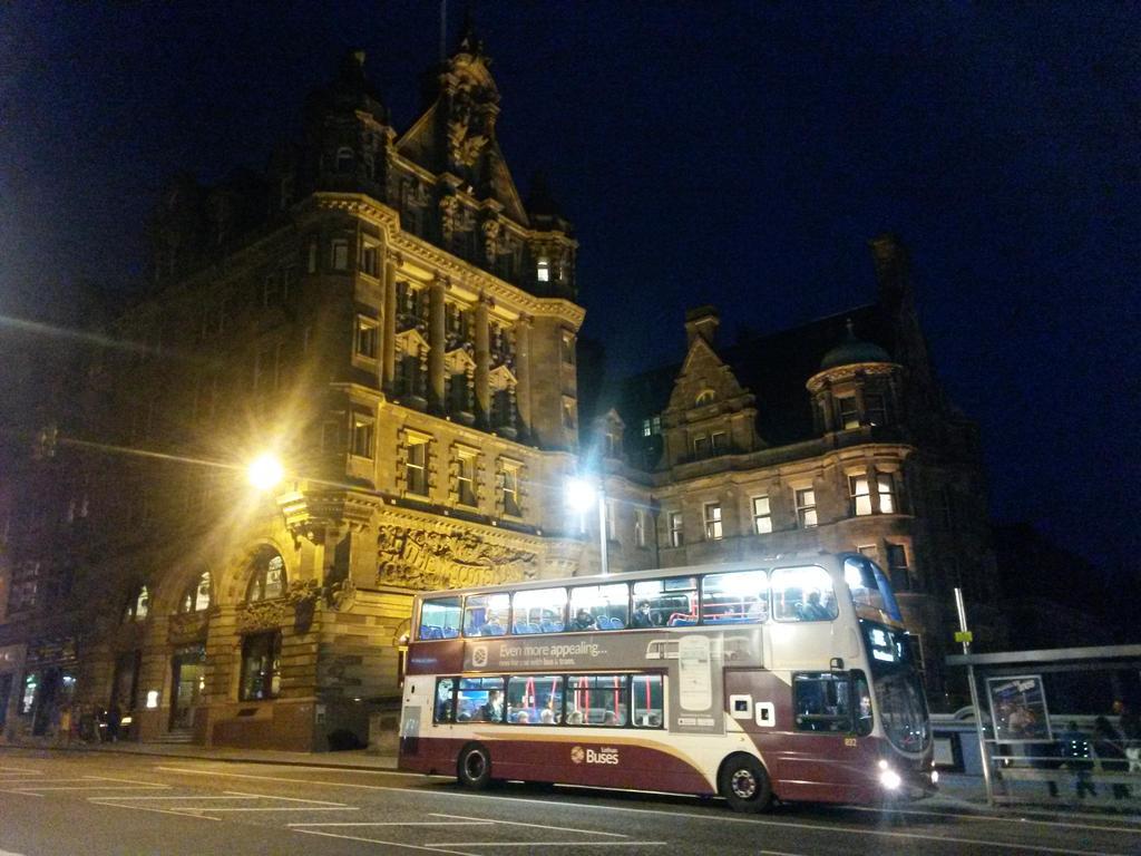 Edinburgh at night by NicolasCJ