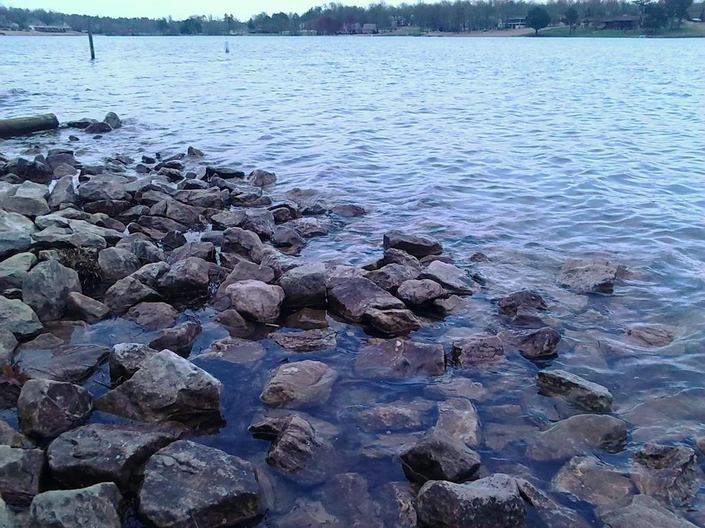 Rocky waters by kaceymears