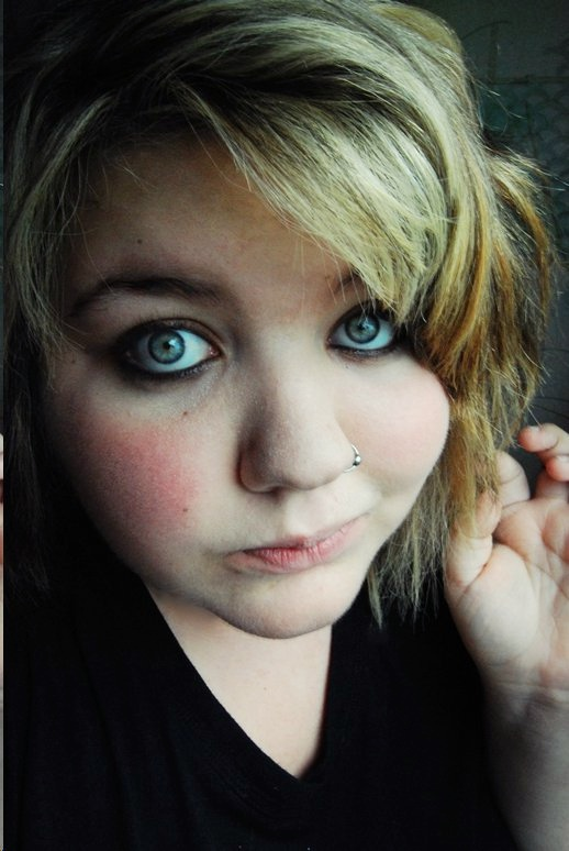 I LOOK SO CUTEEE by Katelynplz